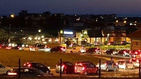 Lacnio di petardi nel parcheggio del Forum, lite tra una baby gang e alcuni automobilisti - https://t.co/bXwnyTxIrn #blogsicilianotizie