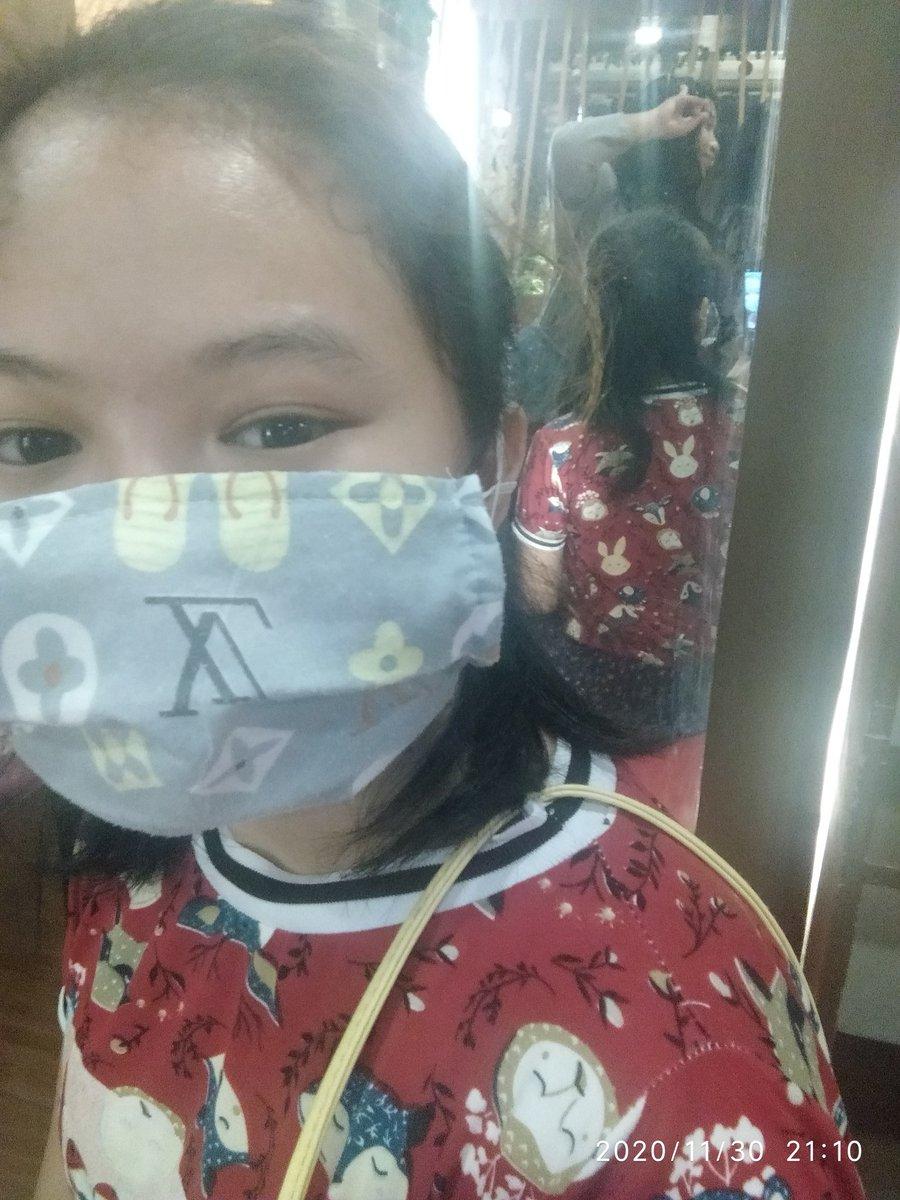 Sakin ka lang tumingin ehe~ #ARSD #ARMYSelcaDay  Don't forget to wear your masks and stream Be💜