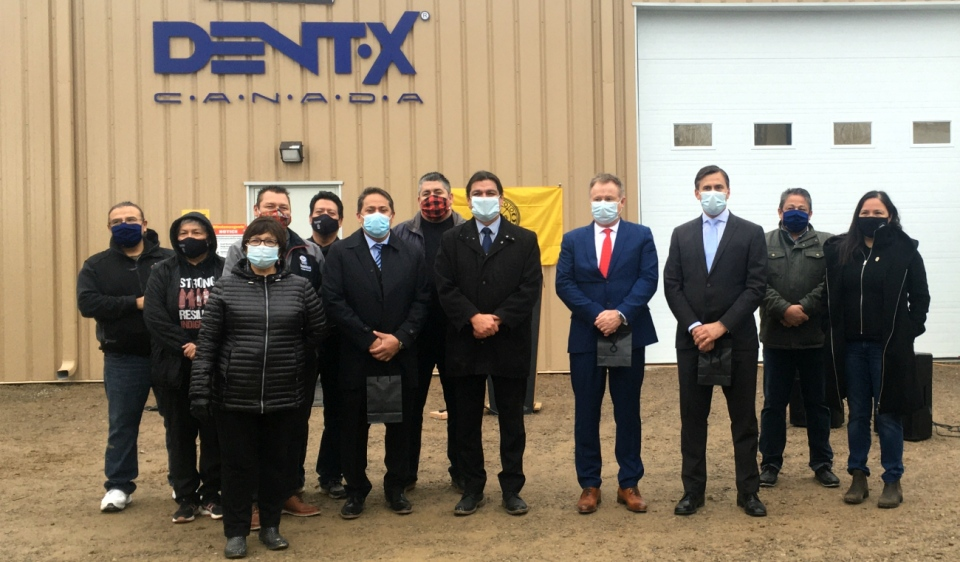 Medical grade mask manufacturing factory opens in #Wiikwemkoong in collaboration with #Dent_X_Canada.  #SUDBURY - A new facility on #Manitoulin Island is providing a #made_in_Canada solution to meet the soaring demand for personal protective equipment. https://t.co/0XEY9uF6xd https://t.co/m5s7OrgcBF