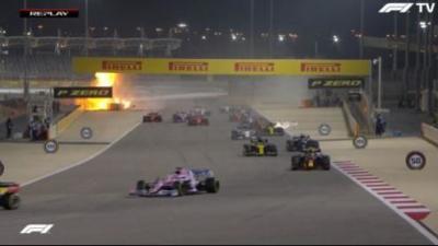 🏁ACTIVIDAD EN BAHREIN🏁  En el Gran Premio de Bahrein, Lewis Hamilton acompañado de Max Verstappen y Alex Albon se llevaron el podio, mientras que Checo Pérez quedó fuera tras un incidente con su motor a 3 vueltas de terminar la carrera. https://t.co/d9cA3G7vr5