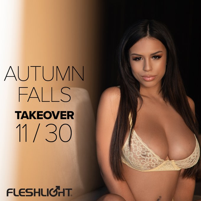 It's a TAKEOVER! Our hottest new Fleshlight Girl, rising adult starlett @autumnfallsxoxo is taking over