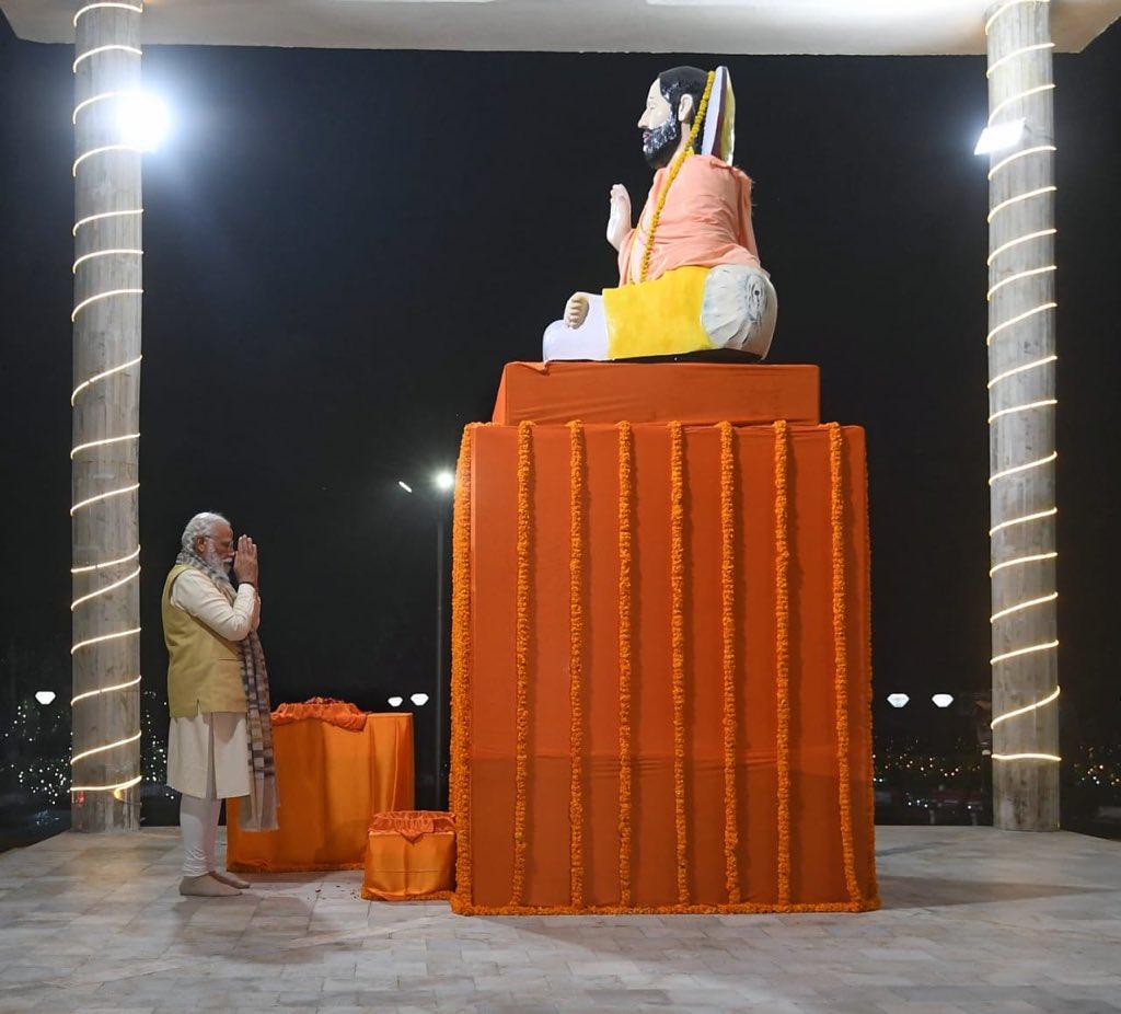 Feeling blessed after paying tributes to Sant Ravidas Ji in Kashi.