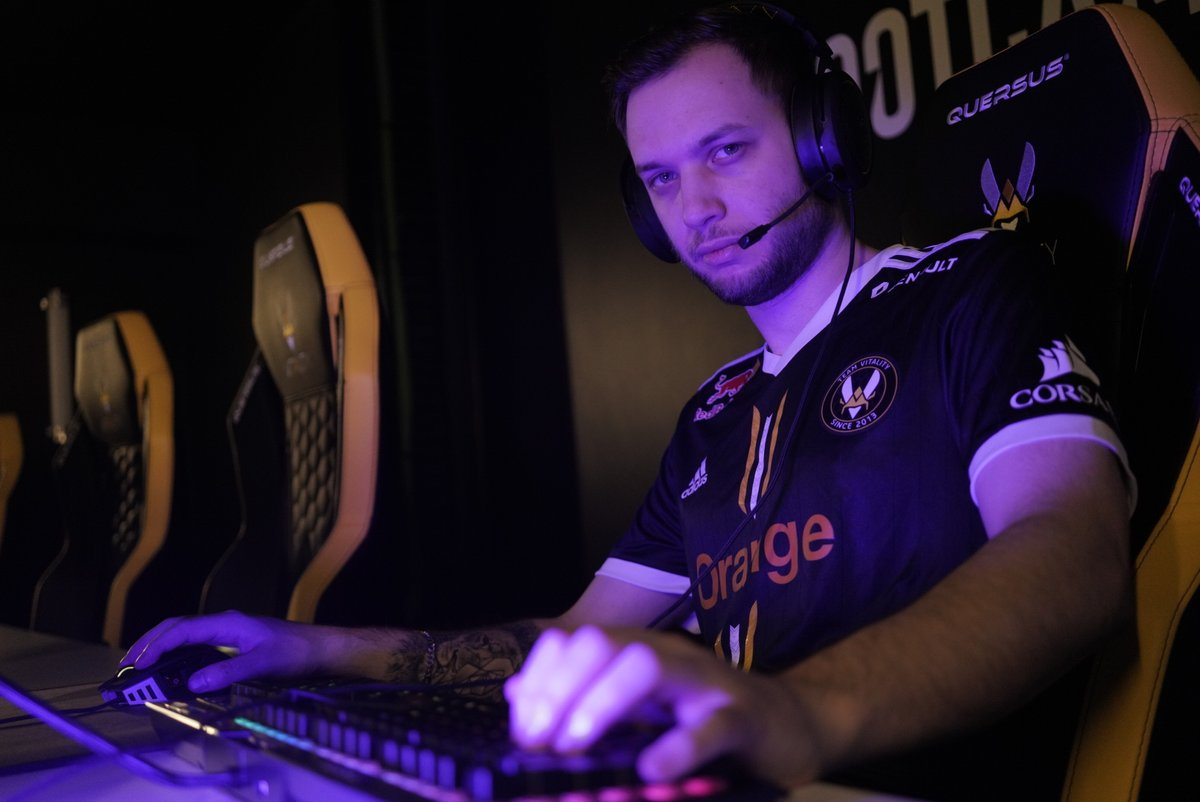 Team Vitality - You run into this guy in electrical...  What do you do?
