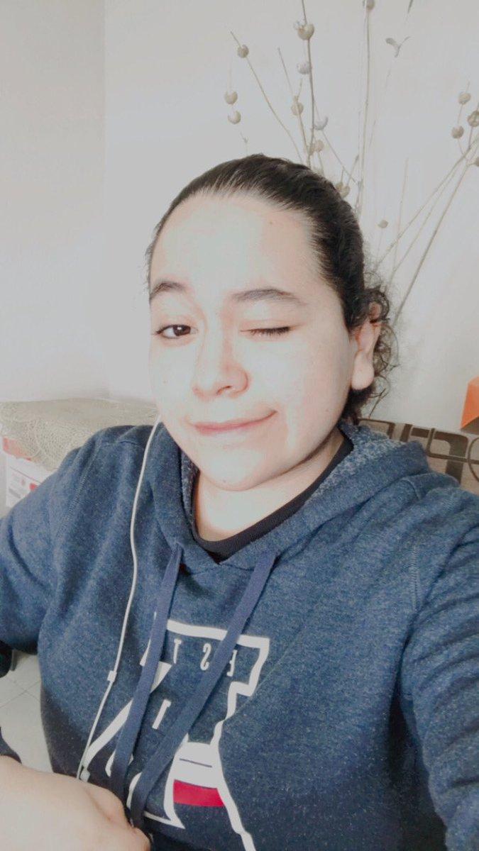 Pues aquí está mi selca                  #ARMYSelcaDay #ARSD #JUNGKOOK𓃹                                No estoy bonita pero ok ✌🏻