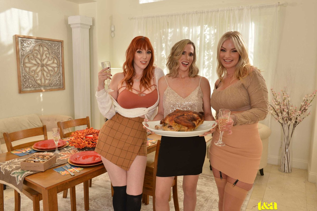 test Twitter Media - I'm so thankful that @naughtyamerica made this happen. Aren't you thankful too?  @lillyjamesxxx & @RachaelCavalli   @therubpr @nexxxtlevel #laurenphillips #missphillips #misslaurenphillips https://t.co/Ycelg1jlZf