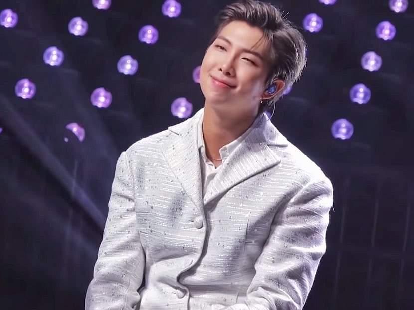 Congratulations 👏🎉 #1 billboard chart #LifeGoesOn1onHot100  #BTS_BE  #RM