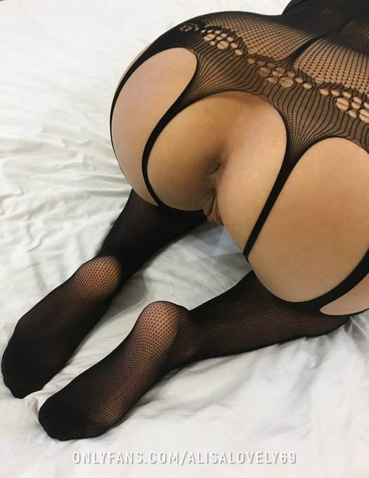 2 pic. My holes are already ready and waiting only for you!😛 https://t.co/QPUc0EpQ22 ✨Take off panties