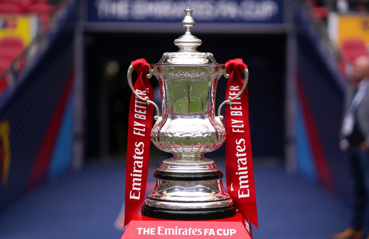 🚨3º FASE DA FA CUP CONFIRMADA!  Alguns duelos interessantes:  Marine vs Tottenham United vs Watford Everton vs Rotherham Arsenal vs Newcastle Stoke vs Leicester Crawley vs Leeds Aston Villa vs Liverpool Brentford vs Middlesbrough City vs Birmingham Chelsea vs Morecambe https://t.co/lyFW4r8Zn0