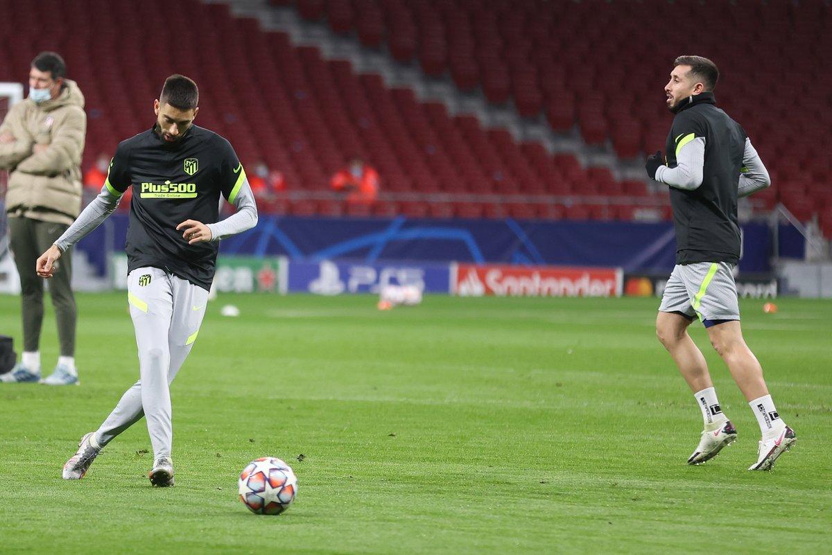 Tomorrow: #AtletiFCB 👊  Who's tuning in? 🔴⚪  🏧 #AúpaAtleti | ⭐ #UCL