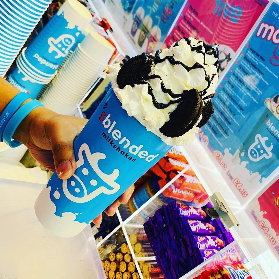 📸@sblendedkt1  Throwback Cyber Monday...come in and enjoy a Sblended Monday with our Special Oreo Shake with lashings of whipped cream, Oreo bits & chocolate sauce on top! . . . #sblendedkt1 #sblendedkingston #sblended #sblendedmilkshakes #sblendedmilkshake #kingstonuponthames https://t.co/Q5mgI7rBKF