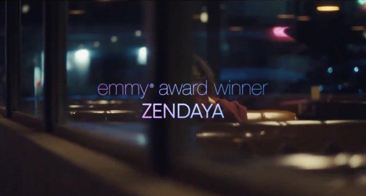 emmy award winner zendaya trending as she should✨