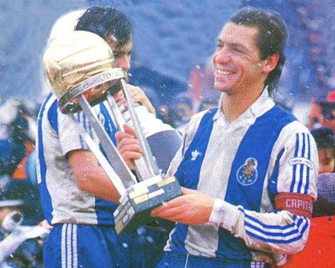 🇵🇹 FERNANDO Mendes Soares GOMES 📍Oporto, 22/11/1956 @FCPorto @RealSporting @Sporting_CP  Talentoso delantero portugués surgido del Oporto debutando en el primer equipo con dos goles. Campeón de Europa 1987, pese a perderse la final, Intercontinental y Supercopa. #Portugal https://t.co/v6c4WNVFje