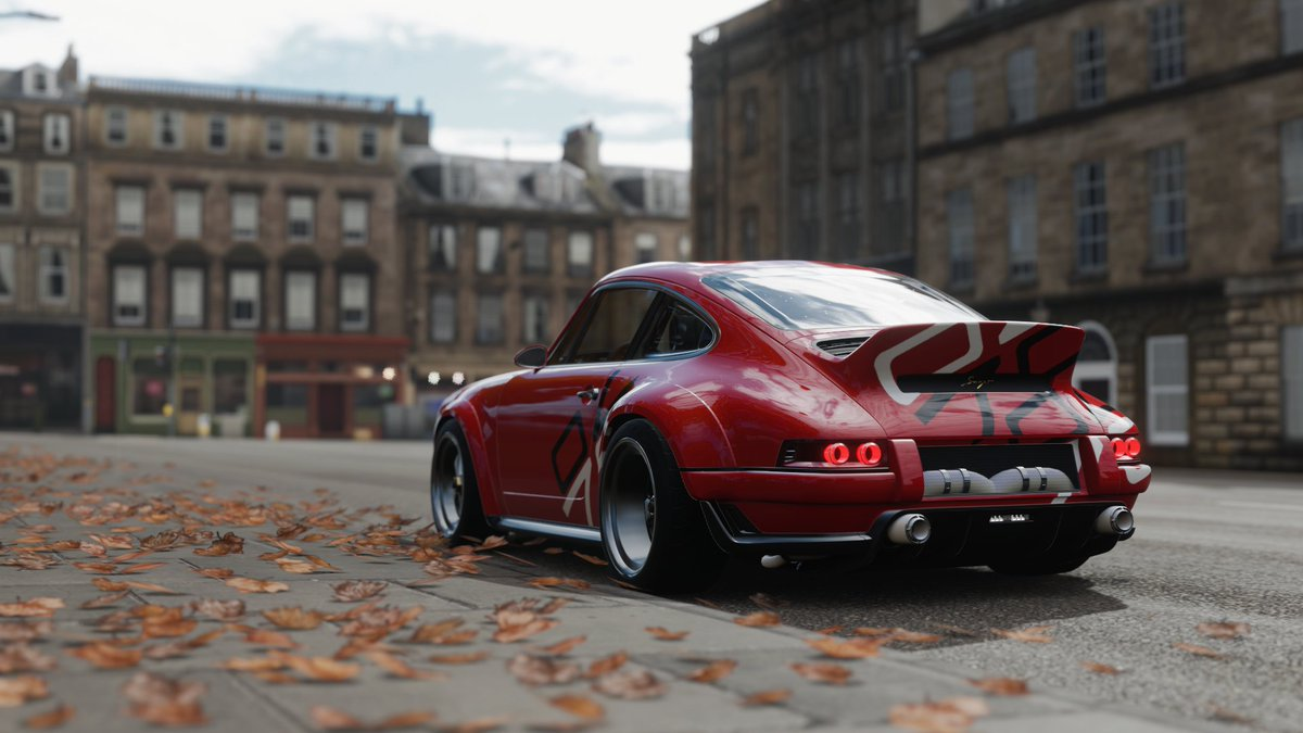 Porsche 911 reimagined by Singer with the 70th livery.  #FH4 #ForzaHorizon4 #ForzaShare  #VirtualPhotography #photography #VGPUnite #ForzaShare #GhostArts #Screenshots #GamePhotography #Xbox #XboxShare #Porsche #PorschebySinger #Singer #Porsche911 https://t.co/ROavhrGV6L