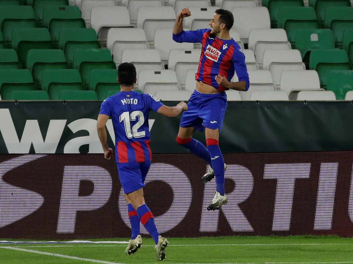 ✅ #RealValladolidEibar 1‐2 ✅ #SevillaFCEibar 0‐1 🤝 #HuescaEibar 1‐1 ✅ #RealBetisEibar 0‐2  💙⚔️❤️ @SDEibarEN have taken 10 out of 12 points from their last four away matches!  #LaLigaSantander