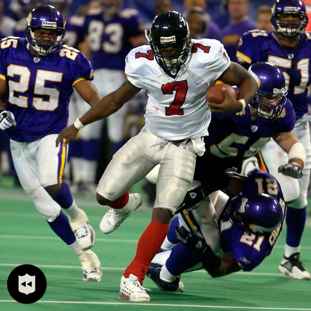 18 years ago today, Michael Vick turned on the burners for the win in OT @MichaelVick 🏃‍♂️💨  (via @nflthrowback) https://t.co/Po8eydjFEh