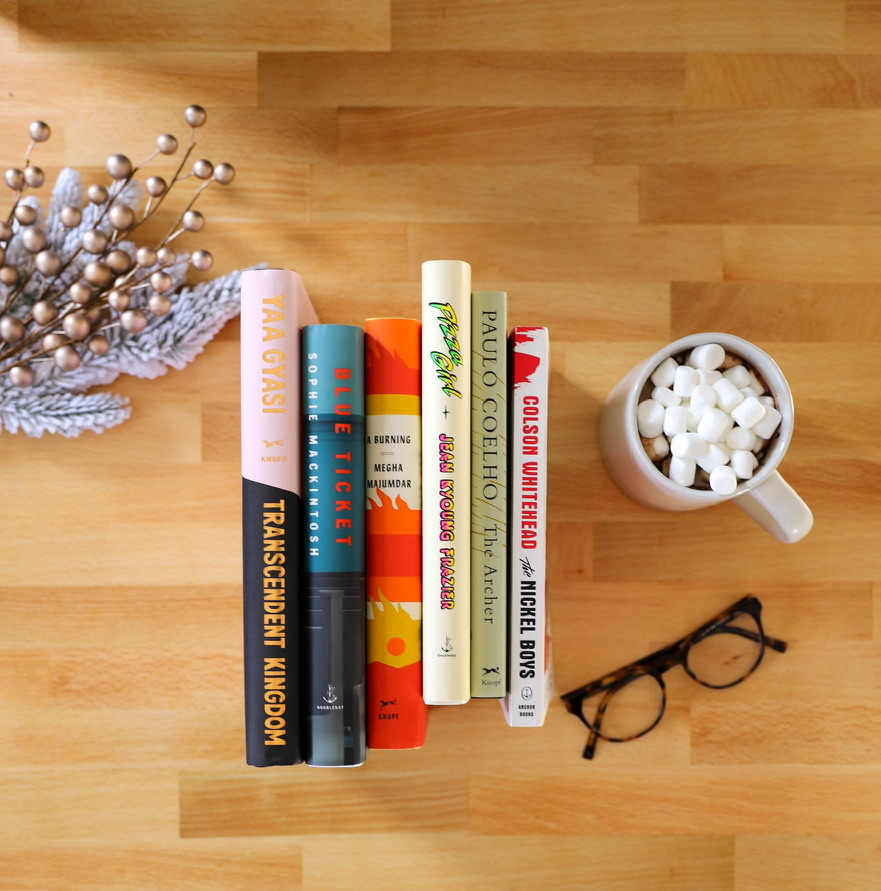 Literary fiction fan in your life? 🥰  🎁 See what book would be perfect for them from our #BookedForTheSeason picks:  🎁  *Hint, hint: there are some good ones in there!* 😋  @AAKnopf @VintageAnchor