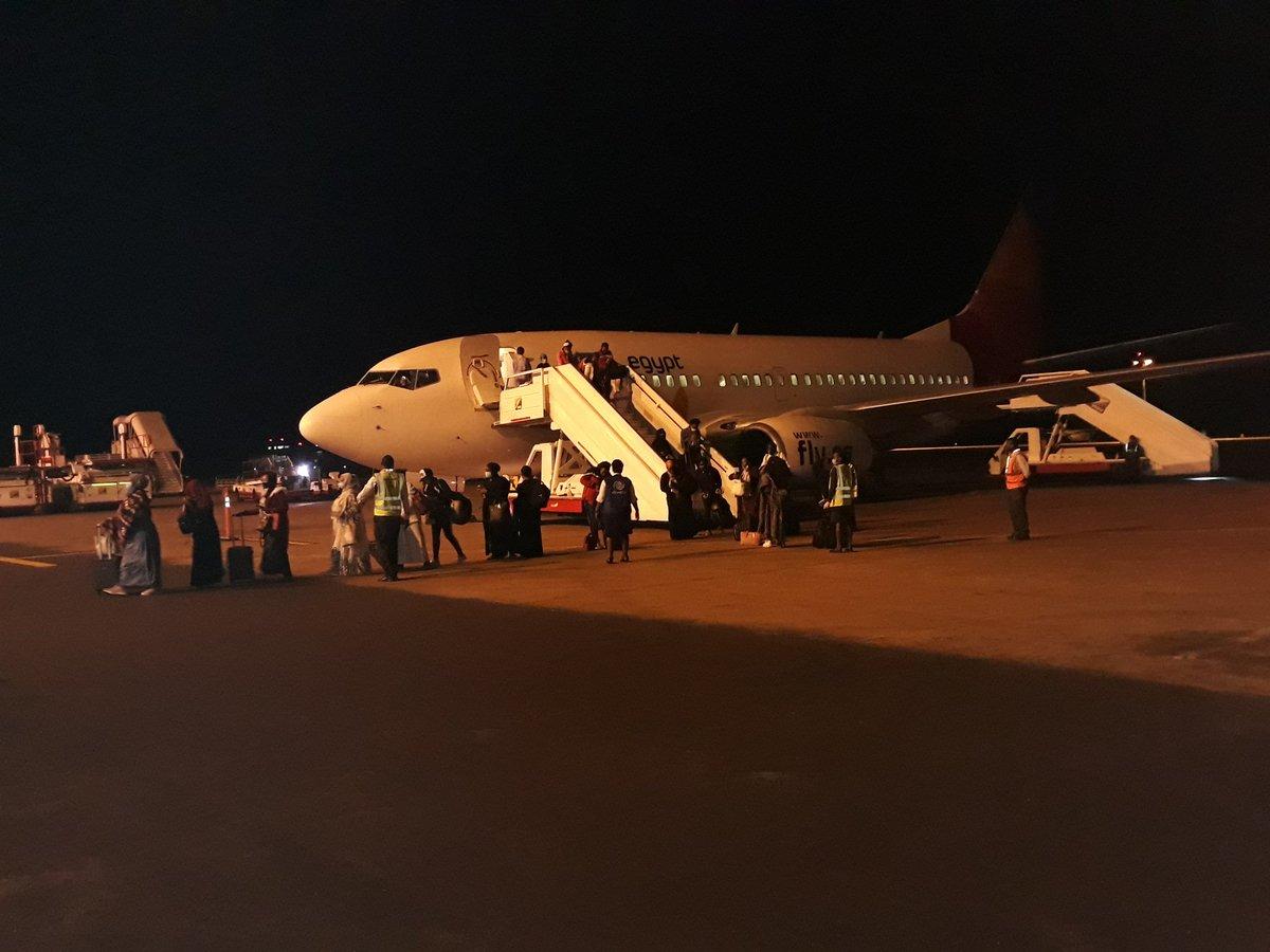 This is IOM's second #humanitärerHilfeflight returning stranded Ugandan migrant workers from#SaudiArabia. In September IOM assisted the return of 113 women. @GermanyDiplo @SanusiTejan @RMalango2015 @AbdikerM @UNinUganda @IOMBahrain @UgandaMFA@IOMRONairobi #DignifiedReturn