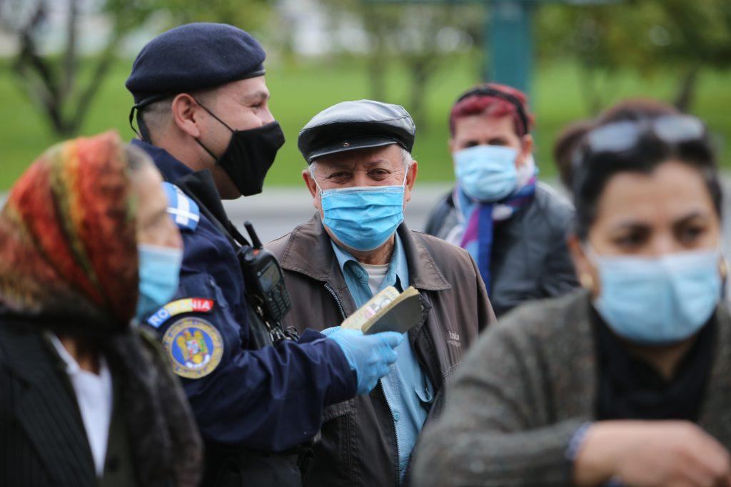 Bucureștiul a raportat și azi cele mai multe cazuri noi de coronavirus. Constanța și Ilfov, singurele județe cu rata de infectare peste 7 https://t.co/tjIKICHzar #news #stiri #romania https://t.co/OCaZ7Gsrux