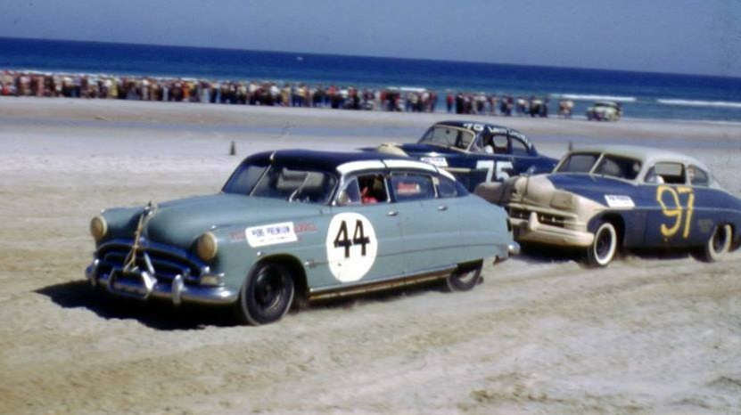 Remembering Pepper Cunningham today 1/13/1918 - 11/30/1979 #RIP Pepper Cunningham, of Trenton, NJ, ran 11 @NASCAR Strictly Stock/Grand National (Cup) races from 1949 to 1955. Cunningham is driving one of Marshall Teagues Hudsons (#44) at Daytona in 1952 in the photo.