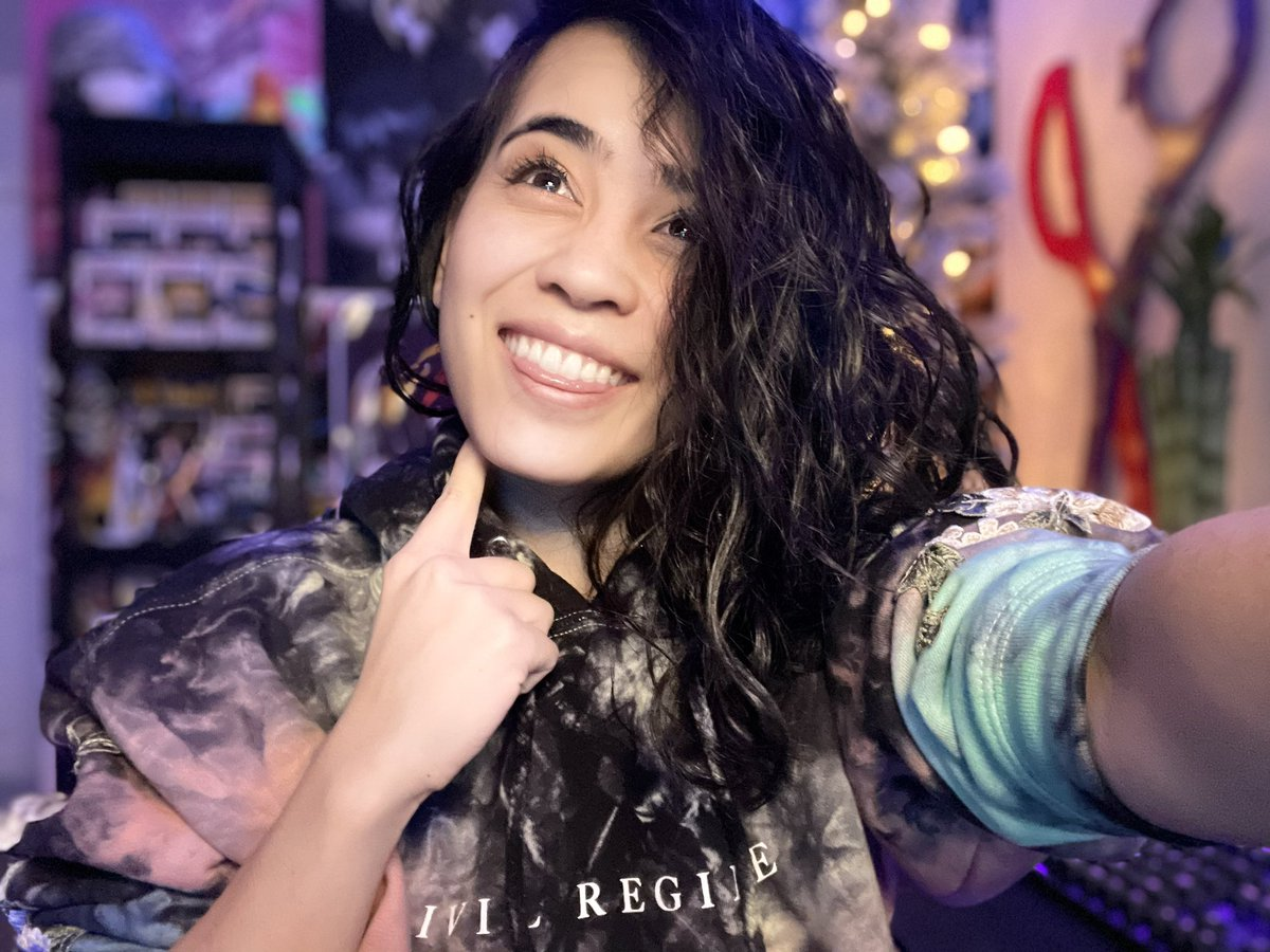 KatContii - It's MONDAY! You know what that means, the most elite of elite things ever!  @CoxComm Elite Gamer #sponsored stream at 8pm PST^-^   check em out 👉   Now live 👉