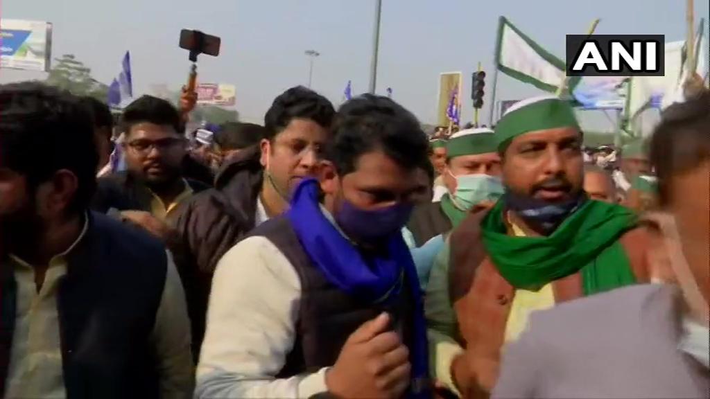 Delhi: Bhim Army Chief Chandrashekhar Azad joins farmers' protest at Ghazipur-Ghaziabad (Delhi-UP) border.