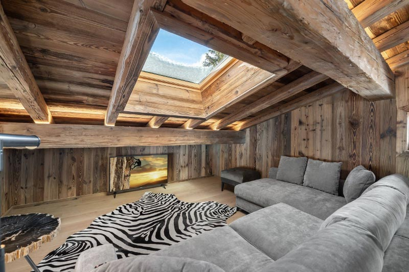 Picture yourself living out your days in serenity. ✨❄️😍 📍 Chalet White Lodge, Megève, France https://t.co/q6sCXCDooD  #TheLuxurySignature #France #Megève #luxurychalet #luxury #lifestyle #vacationhomerental #vacation #holiday https://t.co/pAiQ2pDssL