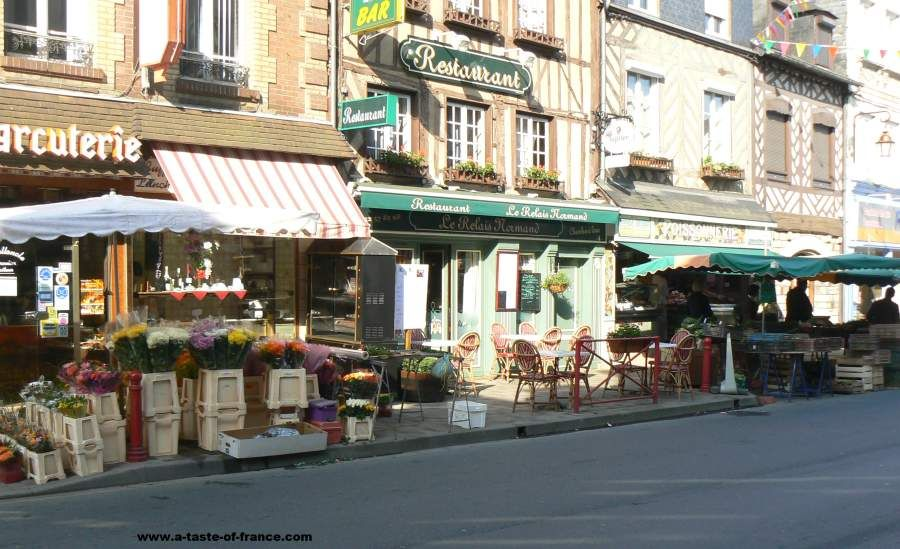 The weekly Street market in the village of #Cormeilles   #Normandy #France  #travel  https://t.co/DVW3QFT109 https://t.co/v9MJnFpEcR