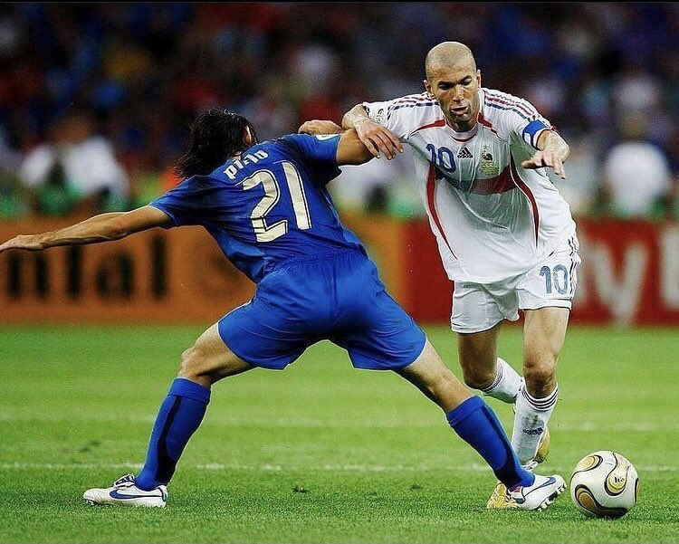 #Pirlo 🇮🇹  #Zidane 🇫🇷  #WorldCup #İtaly #France #Football #RetroFootballers https://t.co/ikFXMC9wbN