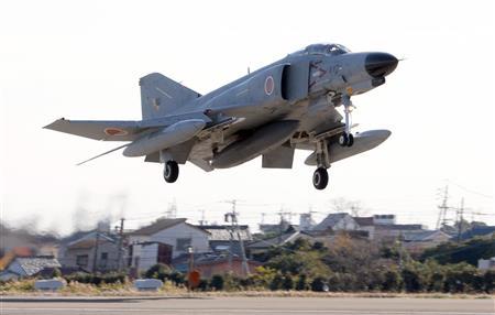 【退役】F4戦闘機ファントム、世界最終製造機がラストフライト440号機(愛称「シシマル」)が1日、空自百里基地から浜松基地までのラストフライトを行い、約40年に及んだ任務を終えた。