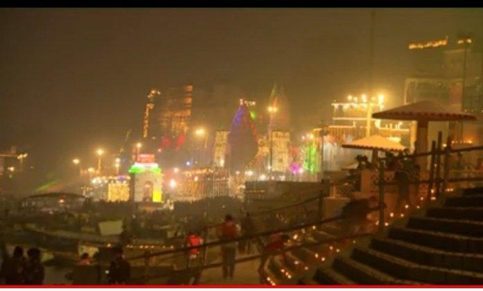 @PMOIndia अनंत युगों से साज के लिए तरसती काशी आज काशी धाम कि बाबा काशी विश्वनाथ का साज और देव दीपावली देखके दिल और आंख भर आई आज दिन इतिहास में सबसे बड़ा है