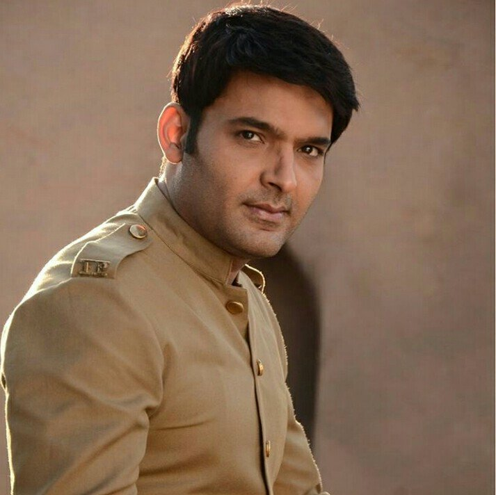 Congratulations @KapilSharmaK9 !! It's #3YearsOfFirangi 🥳🥳 This movie will always special and my most favourite one...You portrayed Manga so beautifully... Keep shining...We are always there for you..❤️❤️❤️ #KapilSharma #Firangi