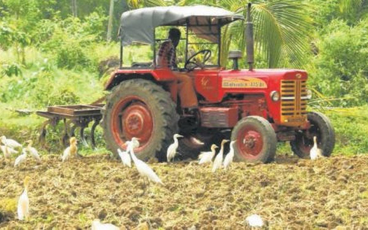 Breaking! @MahindraRise has recorded a 55% growth in its tractor sales at 31,619 units in Nov 2020 (20414 units in Nov 2019). Tractor demand  remained robust  in Nov fueled  by  strong  retail sales during  #Dhanteras  & #Diwali. Rural sentiments stay +ve. @businessline @srirags