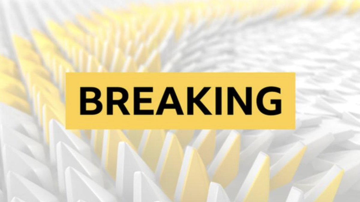 Lewis Hamilton will miss this weekend's Sakhir Grand Prix in Bahrain after testing positive for coronavirus.  More: https://t.co/Vb9gRc7D2R https://t.co/8CR2ue4DTQ