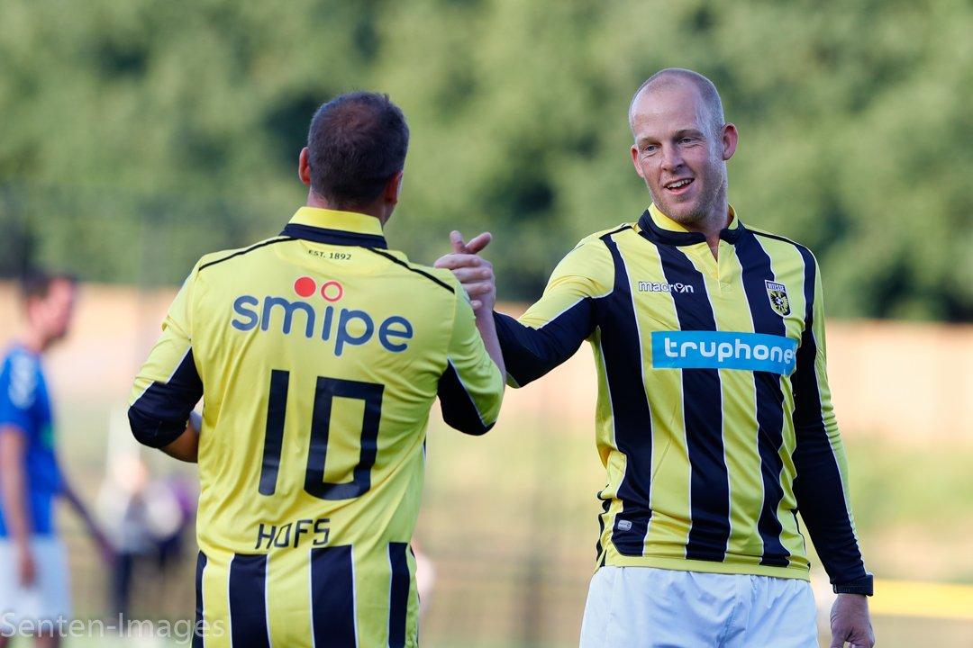 Ook vandaag jarig: Patrick Ax. Hij speelde van 1998 tot 2000 voor Vitesse waarin hij 1 officiële wedstrijd speelde. Hij speelde verder voor Groningen, De Graafschap nec en Go Ahead Eagles. In 2013 speelde hij op het WK Beachsoccer in Tahiti met Oranje #oudvitesse https://t.co/xPhwwBbeNi