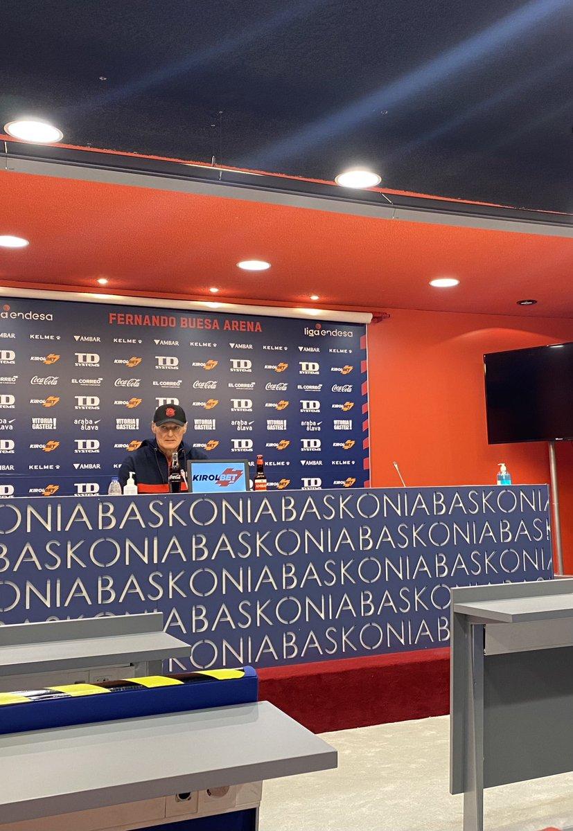 """👉 Previa de Dusko Ivanovic del partido de @ACBCOM que mañana disputará ante el #RealMadrid   🎙 """"Tras la salida de @facucampazzo el resto de jugadores están cogiendo más protagonismo en el Real Madrid"""""""