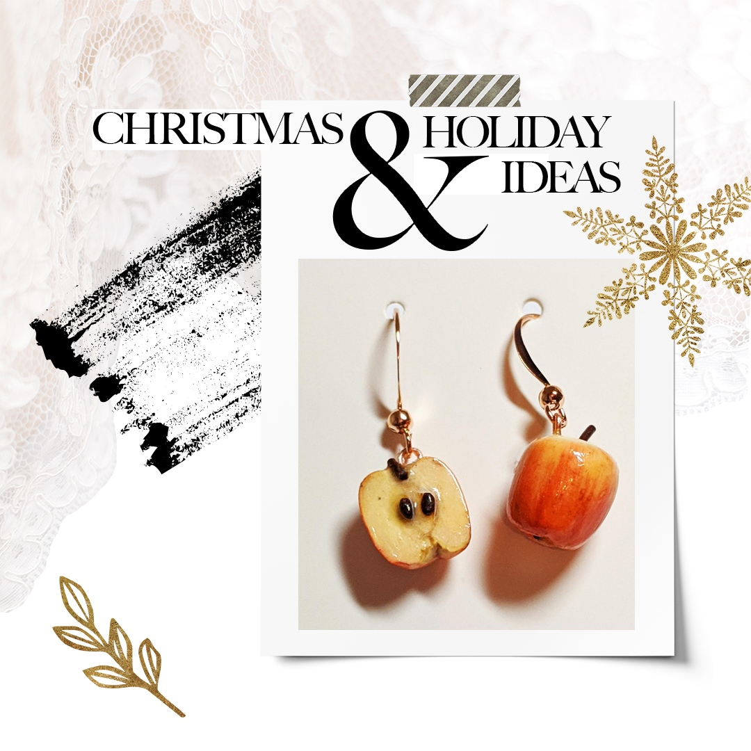I have two pairs left of my apple earrings. Let me know if i should make more and contact me if you would like to reserve a pair.  #appleart #miniatures #miniaturejewelry #jewelry #christmasgifts #stopmotion #background #environmentart #fantasymakes #artist #propmaker