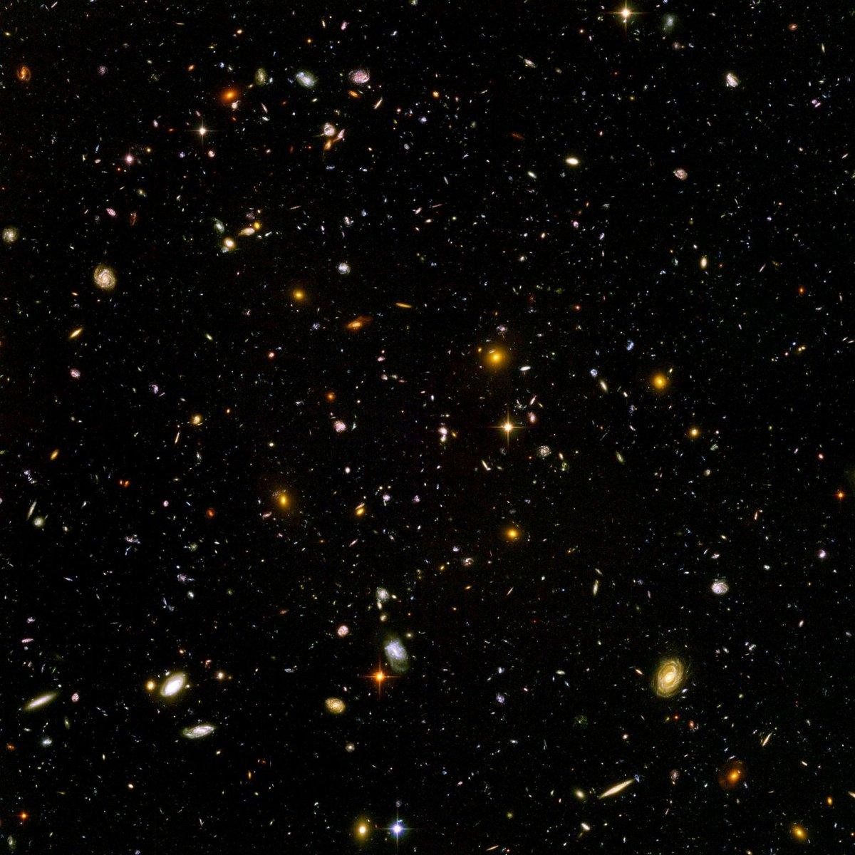 今週金曜12月4日夕方18時30分―20時、金曜天文講話。太田耕司さん(京大理宇宙物理・教授)、講演「宇宙の果てで銀河を探すっ」。銀河観測の最先端の話。まだ申込者数が14人!奮ってご参加ください。オンラインで日本中、世界中から参加可能です。