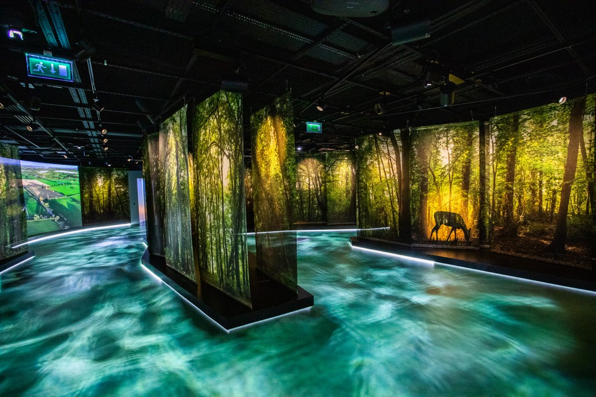 We are open! The wonderful new exhibition in Brú na Boinne Centre is open and we have access to the outside of Newgrange. There is no access to the chamber at Newgrange or to Knowth. Sorry, but you cant book on line just yet. https://t.co/KzAK6JwFqq