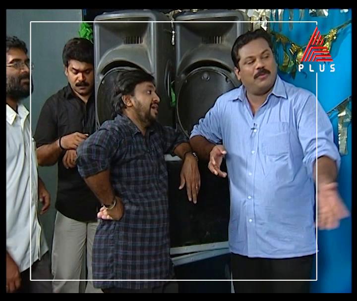തെരഞ്ഞെടുപ്പ് കാലത്ത് സട കുടഞ്ഞ് എഴുന്നേൽക്കുന്ന സാംസ്കാരിക നായകന്മാർ.. കേരളത്തിലെ തെരഞ്ഞെടുപ്പ് കാല രസക്കാഴ്ചകളുമായി സിനിമാല   Cinemala || Tomorrow at 8:30 AM || Asianet Plus  #Cinemala #AsianetPlus #SajuKodiyan #HarishreeMartin #Comedy #Dharmajan