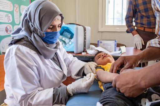 A pesar de las restricciones que genera la #COVID19, continuamos con las campañas de vacunación en Alepo, #Siria, para llegar a 99.000 niños y niñas. ¡Las vacunas son #pequeñassoluciones que salvan vidas!