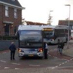 @BarendrechtnuNL - Ingezonden foto door Michel: Bussie komt zo, maar wel iets later, want deze bus staat inmiddels al een uur met pech bij station #Barendrecht aan de #Stationsweg https://t.co/RUPqo3Gja3