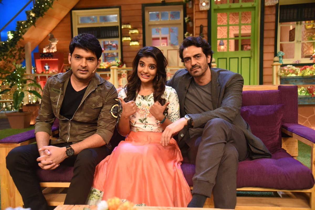 .@KapilSharmaK9 with @rampalarjun and @aishu_dil in the last episode of #TheKapilSharmaShow season 1.  #TKSS #KapilSharma