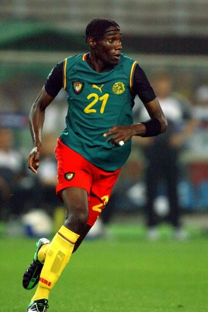 🇨🇲 | Time for celebration 🎉   #IndomitableLions Joseph-Désiré Job who has won #Totalafcon2000 with #Cameroon turned 4️⃣3️⃣ today.   Happy birthday #Lions 🦁💚❤️💛🎂🍾