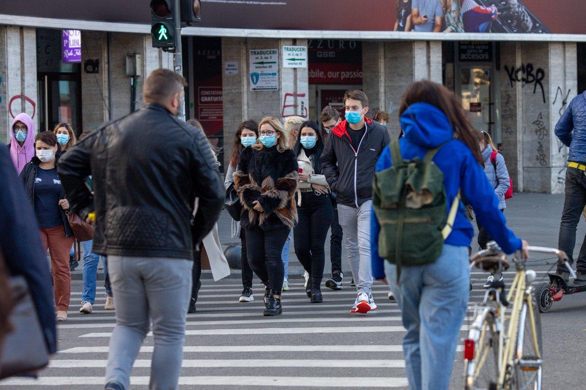 București, peste 18% din totalul cazurilor noi de coronavirus. Constanța, singurul județ cu rata de infectare peste 7 https://t.co/frYfdQPSCn #news #stiri #romania https://t.co/WurCS0aao1