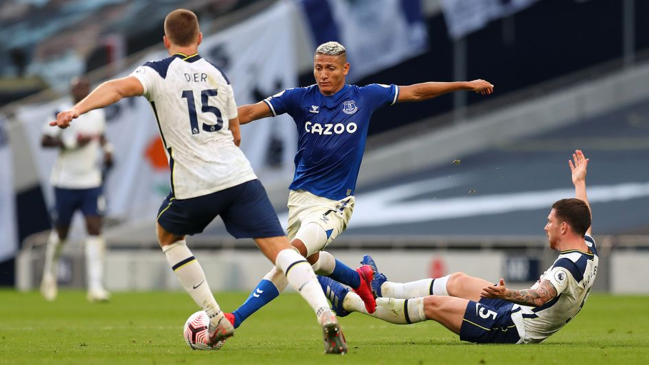 ⭐️ Most dribbles in a single game with 100% success rate this season...  1⃣1⃣ Richarlison (v Tottenham) 🇧🇷 0⃣8⃣ Grealish (v West Ham) 🏴󠁧󠁢󠁥󠁮󠁧󠁿 0⃣7⃣ Kondogbia (v Huesca) 🇨🇫  @richarlison97 | @EvertonExtra