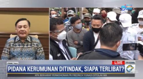 #PrimetalkMetroTV Benny Mamoto (ketua harian Kompolnas): aparat harus memantau terus perkembangan yang terjadi di lapangan agar bisa diantisipasi dan dicegah misalnya adanya rombongan yang bergerak dari satu daerah ke Jakarta. #MetroTV20 streaming: