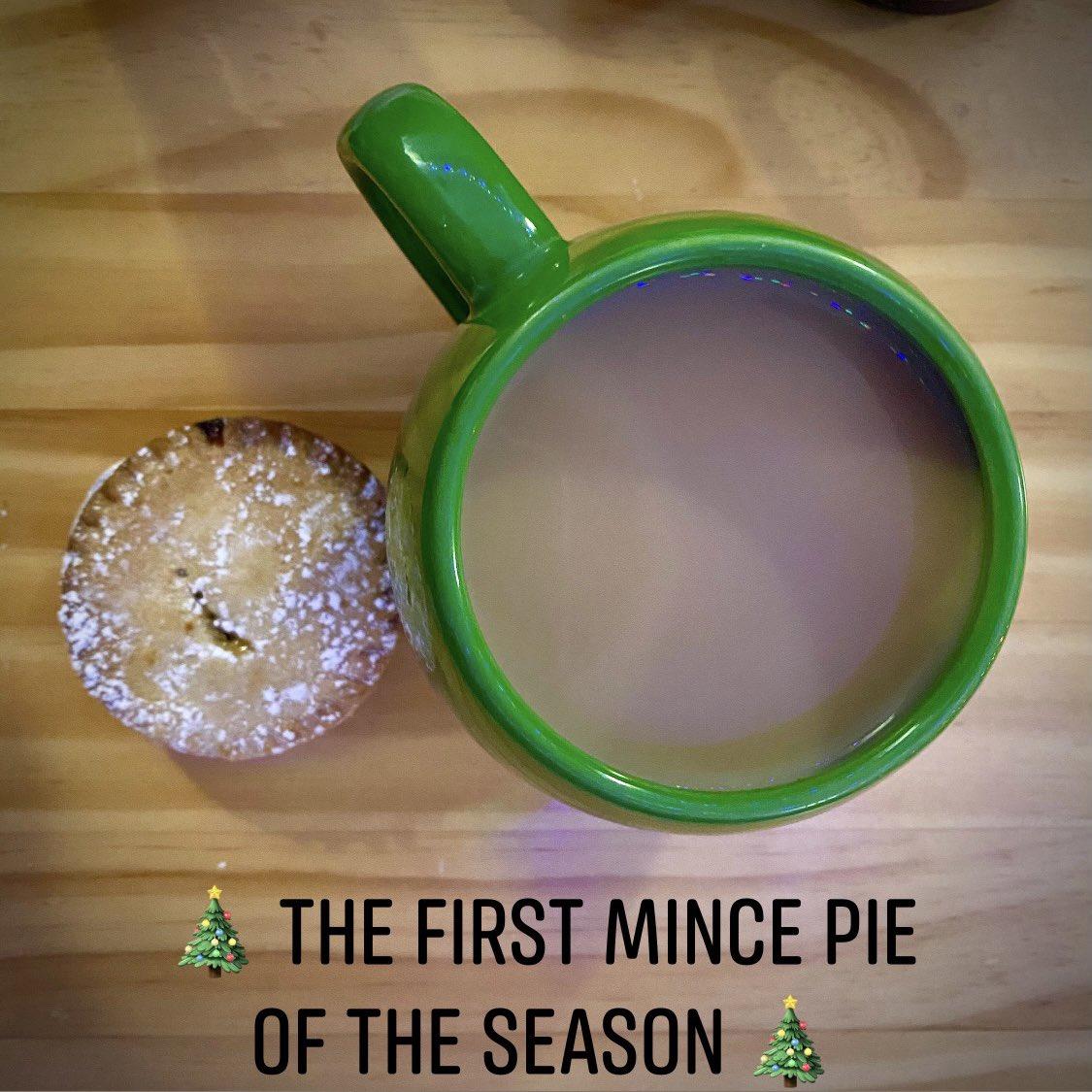 Yum . . #mincepies #mincepie #mincepieseason #cupoftea #cupofteatime #cupoftea☕️ #englishbreakfast #englishbreakfasttea #christmas #christmasiscoming #festive #festivevibes #festiveseason #yum #yummy