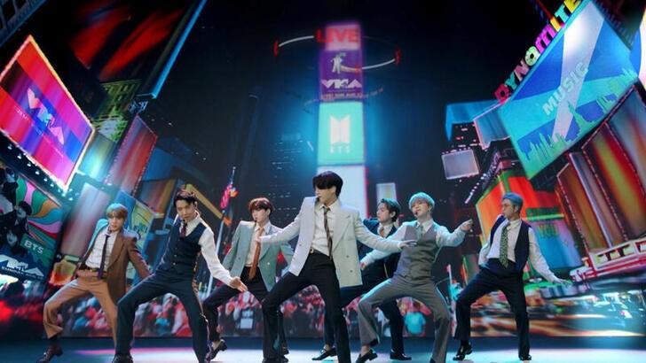 Corea del Sur aprueba ley que permitirá a grupo de K-pop BTS aplazar servicio militar https://t.co/tfsRhNrD9p https://t.co/HPk18YjreJ