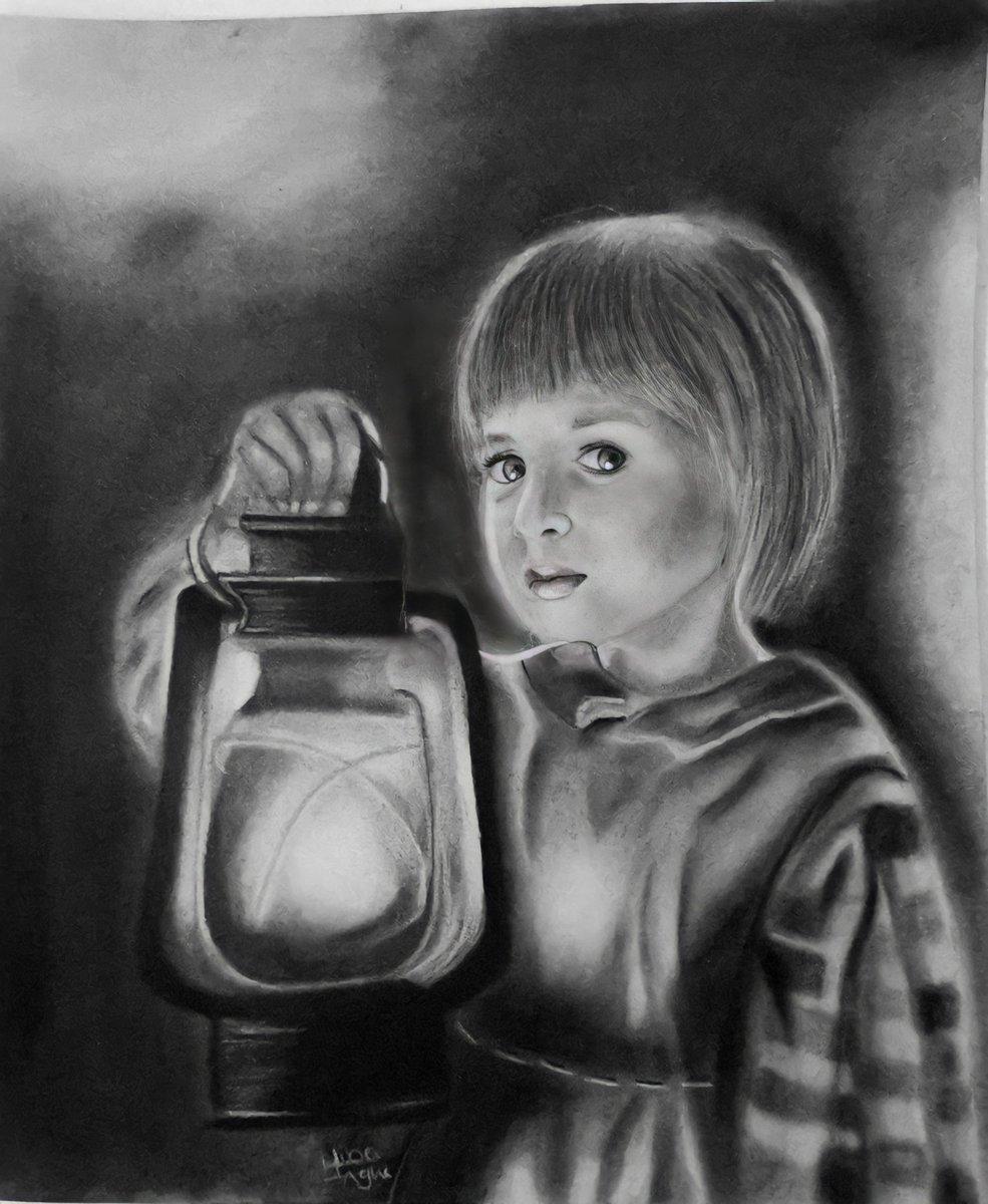 Drawing is not a thing.. It is a way.. 💫 #charcoal 🖤 #drawing #السعوديه #الرياض_اليوم #رسم  #جدة_الان #مساء_الخير #ديكور #مشاريع #رسامين #تويتر