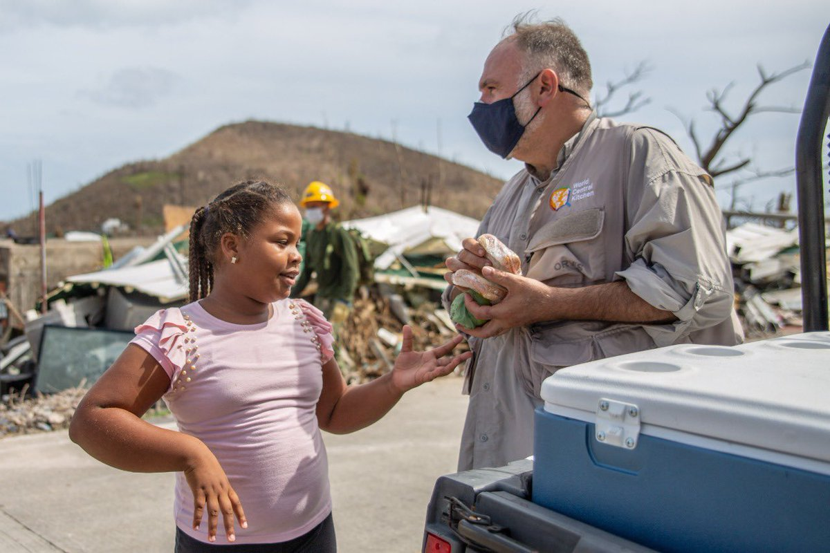 📸 Scenes from Providencia Island: @chefjoseandres and the WCK team are delivering 7,000 hot meals 🍲 and 1,500 sandwiches 🥪across the island today—plus fresh fruit 🍎! We've also hired local residents to help serve meals at 32 different locations. #ChefsForColombia